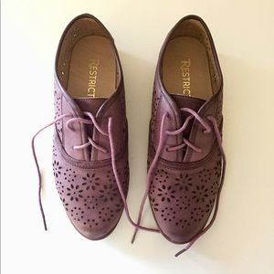 Restricted purple loafers